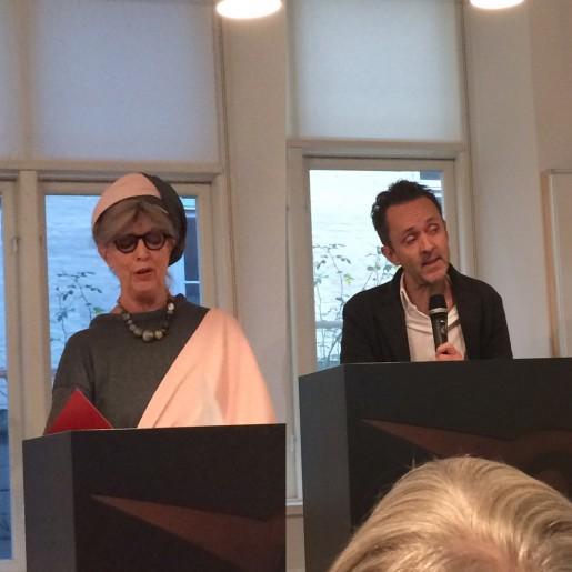 Suzanne Brøgger og Kim Fupz Åkeson ved Gyldendals støttearrangement for Venligboerne 5/10 2015.